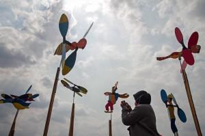 Festival tersebut digelar untuk mengenalkan mainan tradisional kincir angin karya pengrajin mainan di Karanganyar.