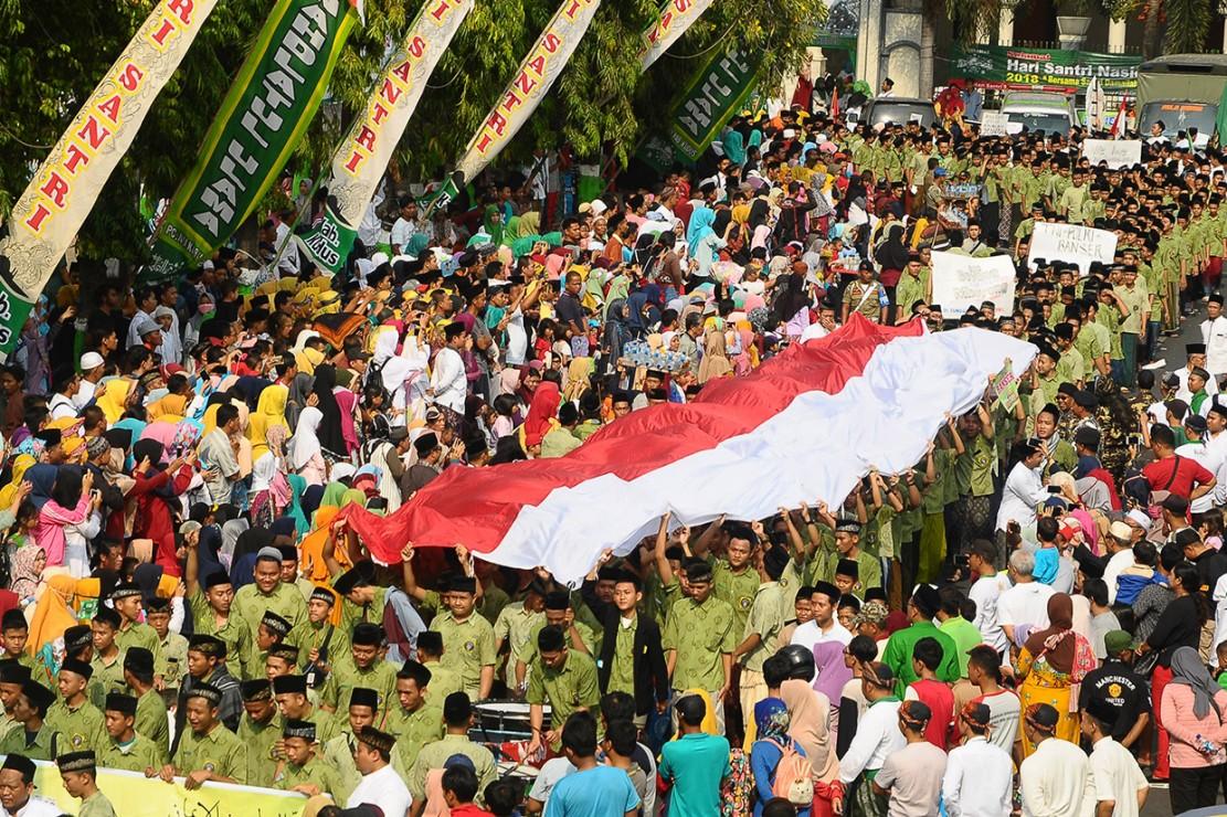 Jokowi Lepas Kirab Santri Nasional di Sidoarjo