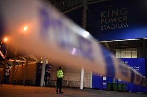 Helikopter milik bos klub sepakbola Leicester City, Vichai Srivaddhanaprabha jatuh di luar stadion King Power, Inggris.