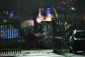 Polisi, pemadam kebakaran hingga ambulans pun tengah dikerahkan di lokasi.