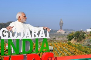 PM Modi menyebut momen penyelesaian pembangunan patung ini sebagai 'hari yang akan diingat dala