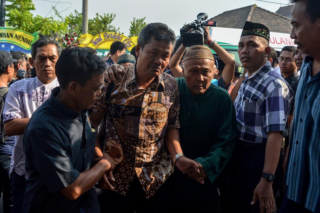 Suasana duka menyelimuti pemakaman Jannatun Cintya Dewi berada di kediaman kawasan Sukodono, Sidoarjo, Jawa Timur.