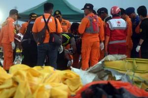 Jenazah tersebut selanjutnya dibawa oleh Tim DVI Polri ke Rumah Sakit Polri Kramat Jati, Jakarta untuk diidentifikasi lebih lanjut.