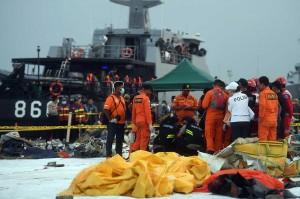 Sejauh ini baru satu korban Lion Air JT 610 yang teridentifikasi, yakni Jannatun Cintya Dewi kelahiran Sidoarjo 12 September 1994, beralamat di Dusun Prumpon RT 001 RW 001, Kecamatan Sukodono, Jawa Timur dan telah dimakamkan siang tadi.