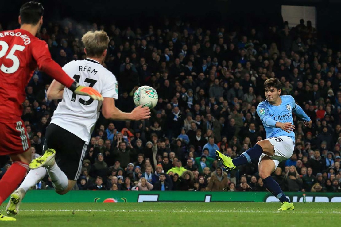 Diaz kembali mencatatkan namanya di papan skor pada menit ke-65 untuk membawa City unggul 2-0 lewat tembakan kerasnya dari dalam kotak penalti.