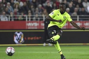 Nicolas Pepe memperkecil ketertinggalan lewat eksekusi penalti pada fase akhir laga.