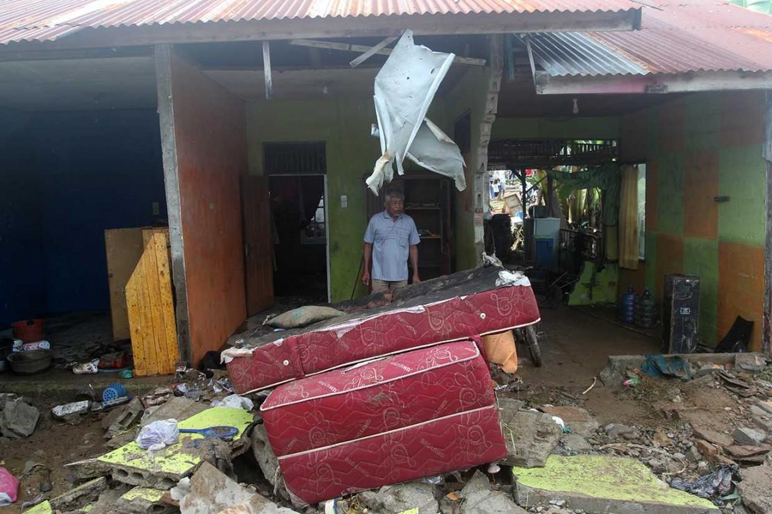 Suasana Padang Pascaditerjang Banjir Bandang