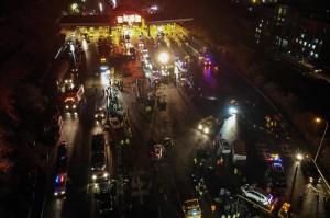 Truk itu menabrak sedikitnya 31 mobil yang sedang mengantre di gerbang tol setempat.