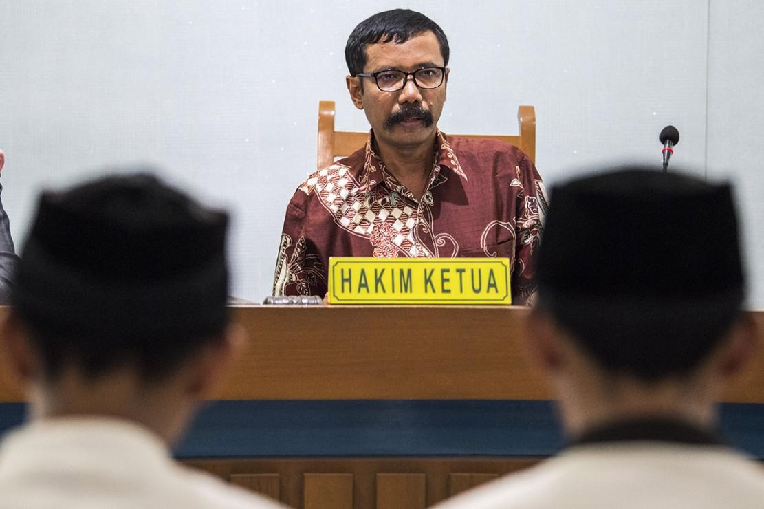 Dalam amar putusannya, hakim tunggal Suwanto menyatakan ketiga terdakwa terbukti bersalah secara sah dan meyakinkan melakukan tindak pidana penganiayaan yang menyebabkan korban meninggal.