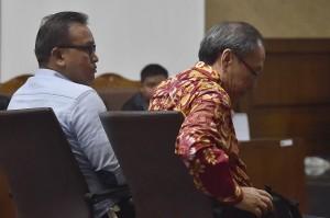 Keponakan mantan Ketua DPR Setya Novanto tersebut bersama Made Oka Masagung dituntut 12 tahun penjara dengan denda Rp1 miliar subsider enam bulan penjara atas keterlibatannya dalam korupsi proyek KTP elektronik.