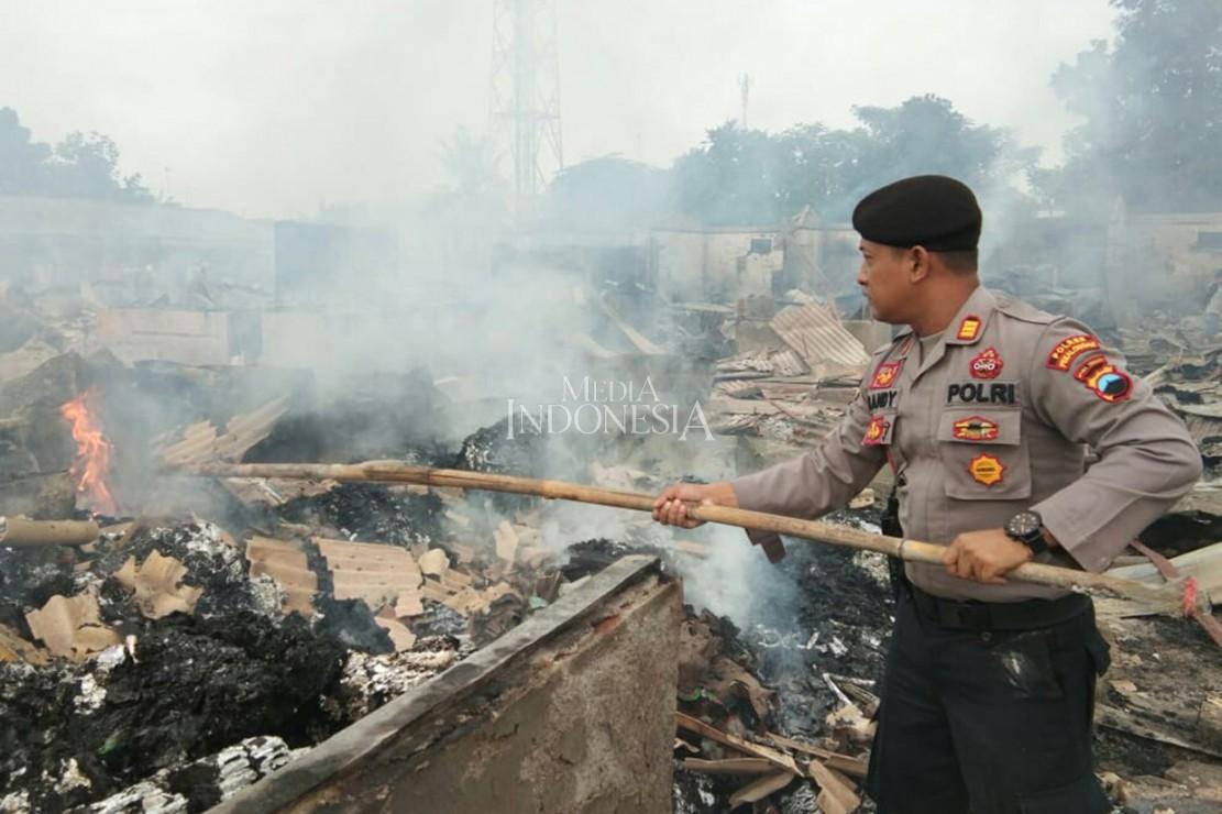 Kebakaran Landa Pasar Wiradesa Pekalongan