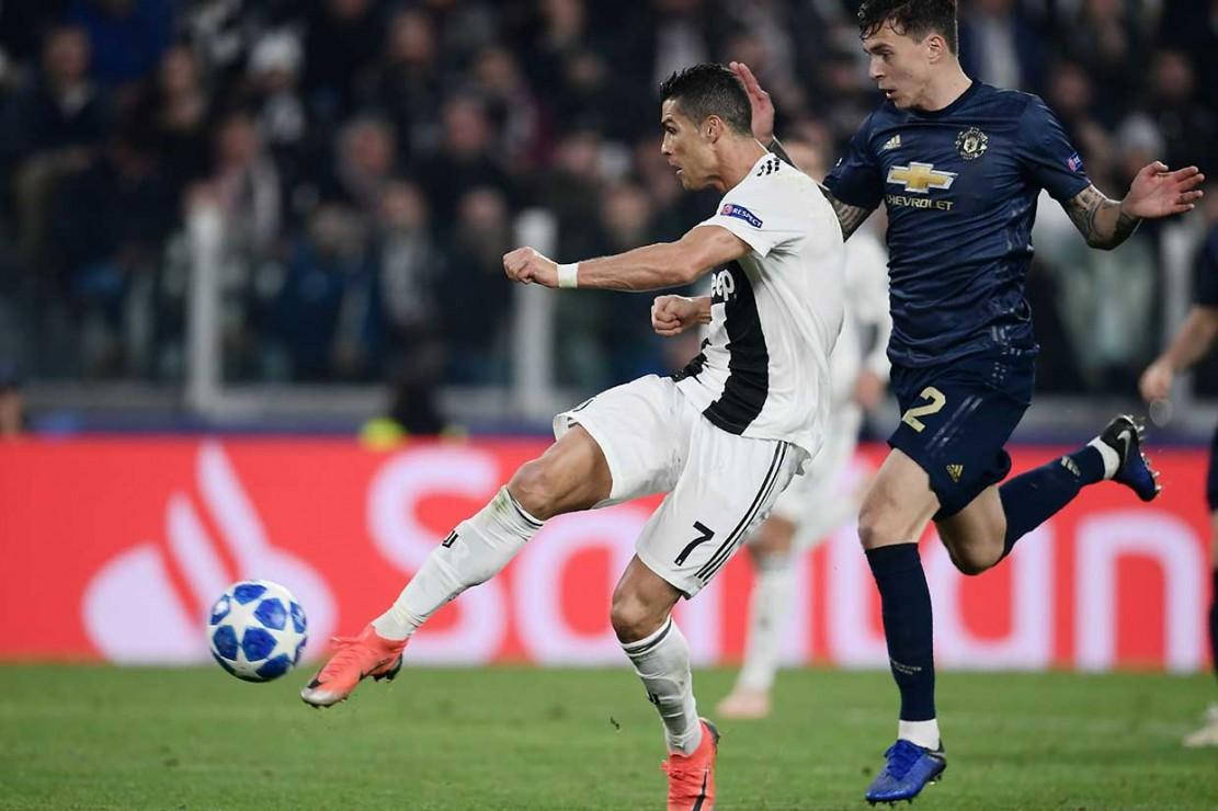 Sebelumnya, Juve unggul terlebih dahulu lewat gol spektakuler Cristiano Ronaldo pada menit 65. Gol berawal dari umpan lambung Leonardo Bonucci yang diselesaikan CR7 dengan tendangan sentuhan pertama untuk menaklukkan kiper David de Gea di area tiang dekat.