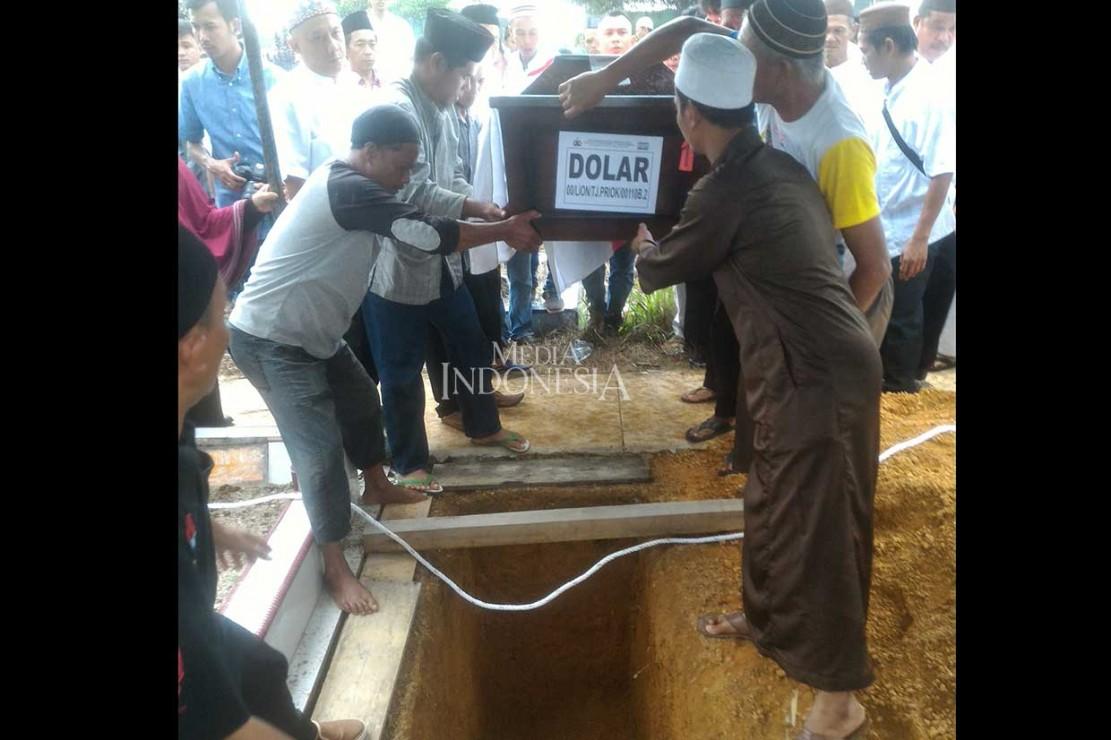 Dolar merupakan satu dari enam anggota DPRD Provinsi Kepulauan Bangka Belitung yang menjadi korban jatuhnya pesawat Lion Air PK-LQP JT-610 di perairan Tanjung Karawang, Jawa Barat pada Senin, 29 Oktober. MI/Rendy Ferdiansyah