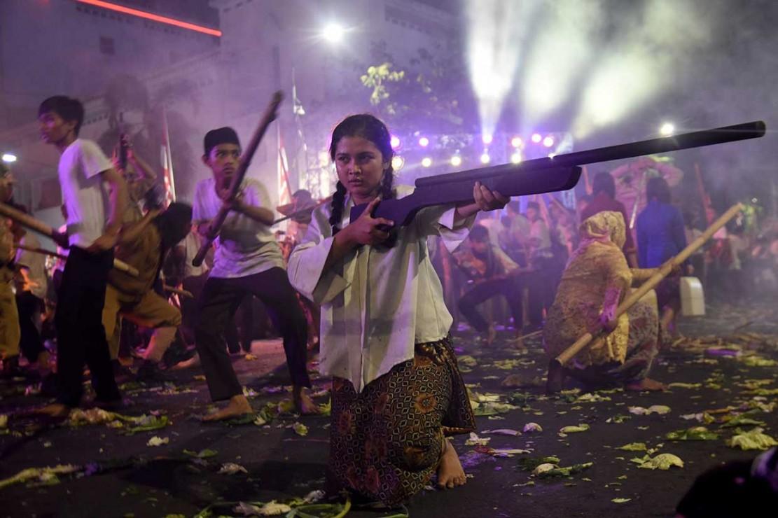 Drama yang menceritakan perjuangan rakyat Indonesia melawan dan mempertahankan kemerdekaan yang berjudul 'Gubernur Suryo' tersebut untuk memberikan edukasi pada masyarakat yang menyaksikan.