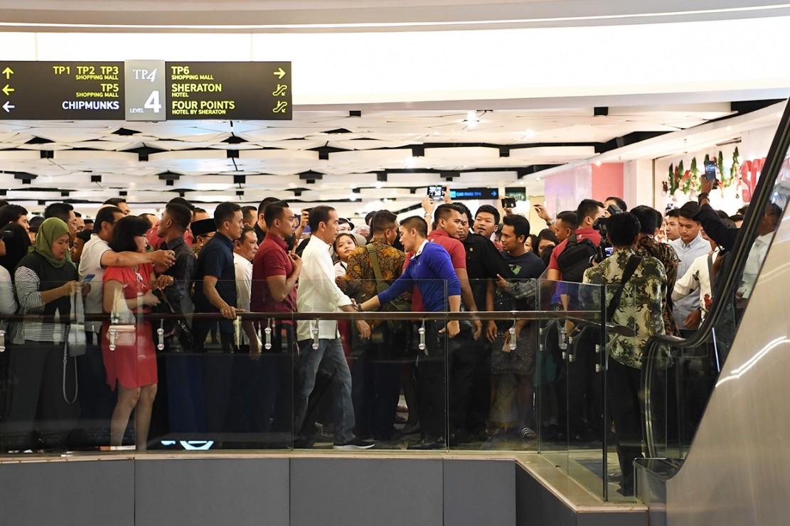 Jokowi Kunjungi Tunjungan Plaza Surabaya