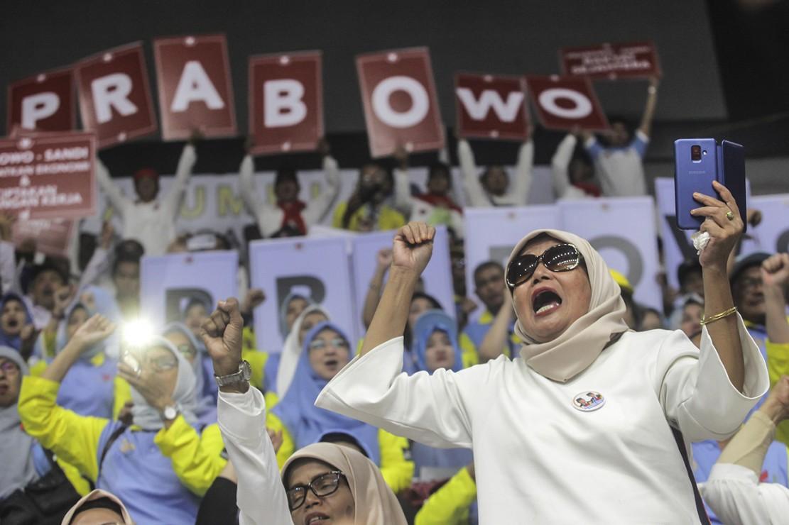 Ribuan Pendukung Ikuti Pembekalan Relawan Prabowo-Sandi di Istora Senayan