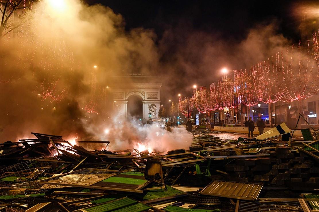 Demo Protes Kenaikan BBM di Prancis Ricuh