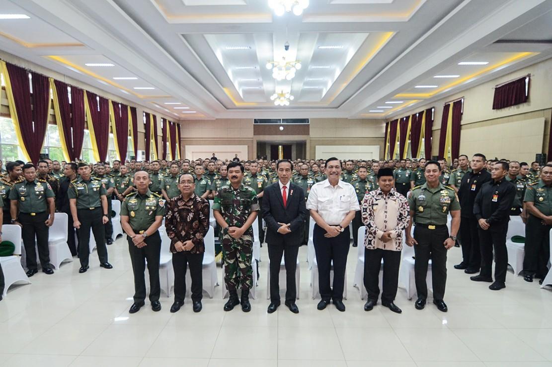 Presiden Hadiri Apel Danrem-Dandim Terpusat di Bandung