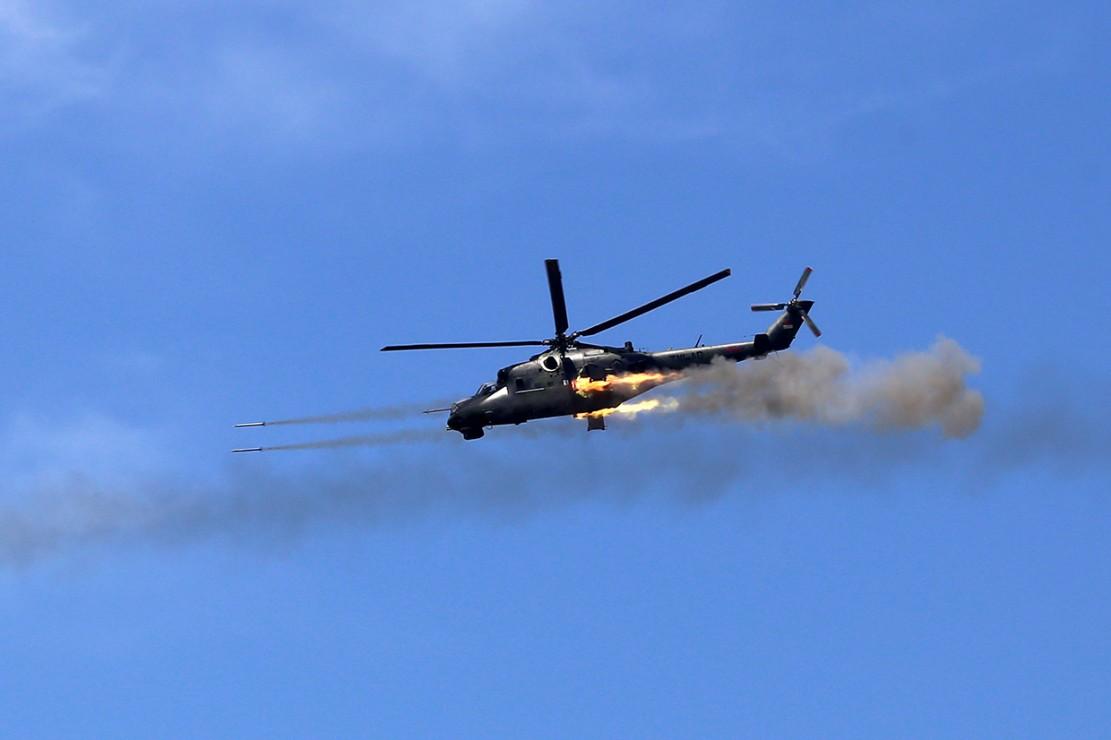 TNI Gelar Latihan Bantuan Tembakan Terpadu di Situbondo