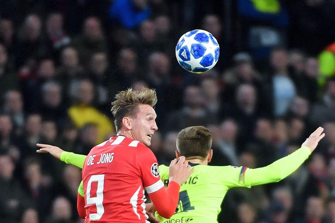Barcelona Tundukkan PSV Eindhoven 2-1