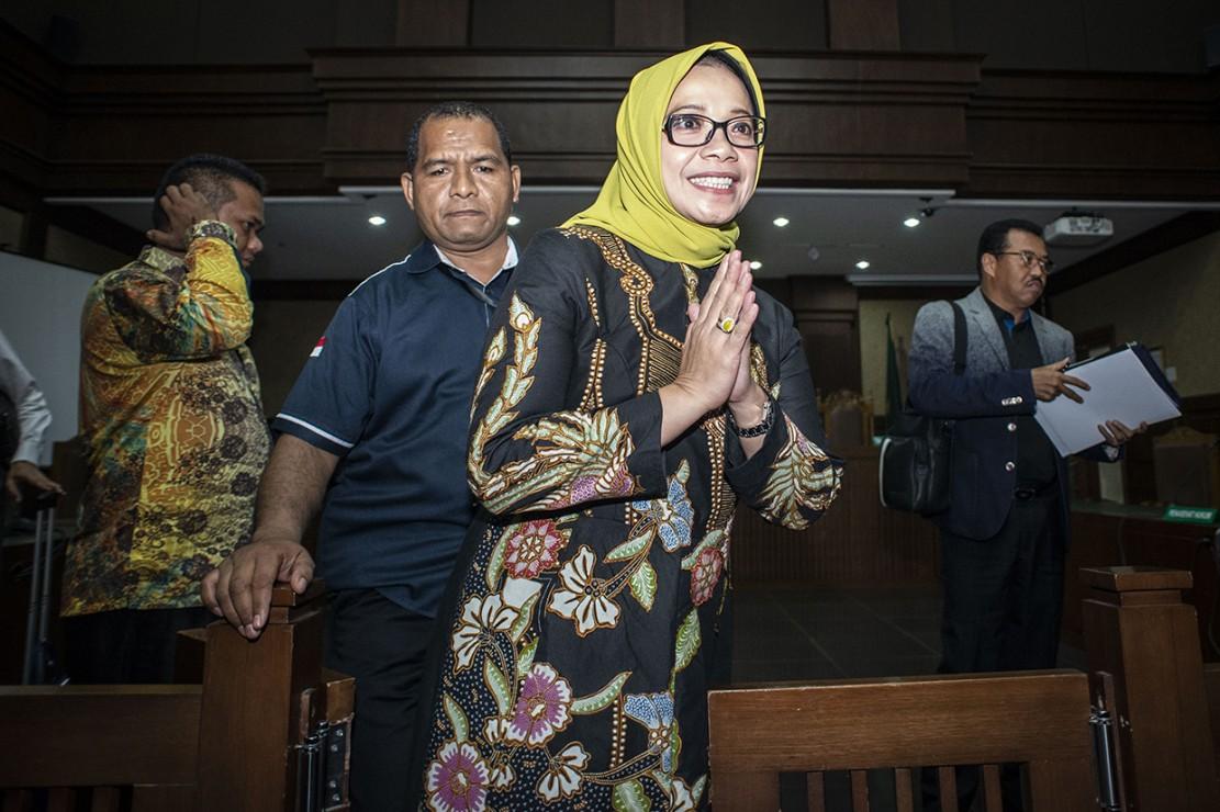 Eni Saragih Didakwa Terima Gratifikasi SGD 40 Ribu dan Rp5,6 M