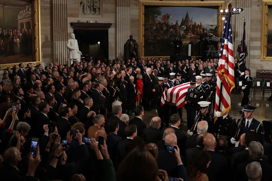 Jenazah Bush Disemayamkan di Gedung Kongres AS
