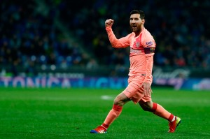 Messi melakukan selebrasi usai menjebol gawang Diego Lopez.