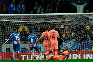Espanyol sempat memperkecil ketertinggalan lewat Oscar Duarte pada menit ke-72, namun gol dianulir setelah pemain asal Nicaragua tersebut sudah terlanjur berada dalam posisi offside.