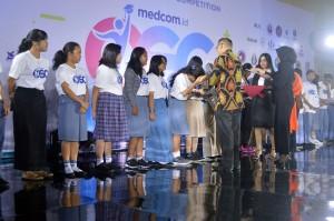 Sebanyak 360 peserta mendapatkan beasiswa OSC 2018 dalam Awarding Night Online Scholarship Competition 2018 di Balai Kartini, Jakarta, Kamis, 20 Desember malam WIB.