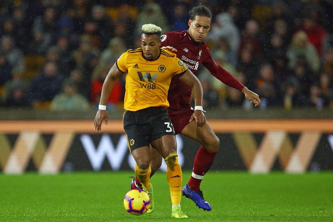 Tertinggal, Wolverhampton terus berupaya membangun serangan untuk mencetak gol balasan, namun Virgil van Dijk tampil prima mengomandoi barisan pertahanan Liverpool untuk meredam gempuran tim lawan.