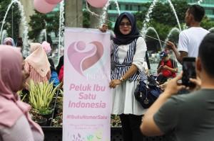 Acara yang diselenggarakan oleh Relawan Komunitas Perempuan Keren pendukung Joko Widodo (Jokowi) tersebut diselenggarakan dalam rangka memperingati hari ibu.