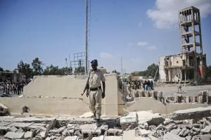 Media lokal melaporkan, wakil gubernur wilayah Banaadir, Mohamed Tulleh, dilaporkan ikut jadi korban.