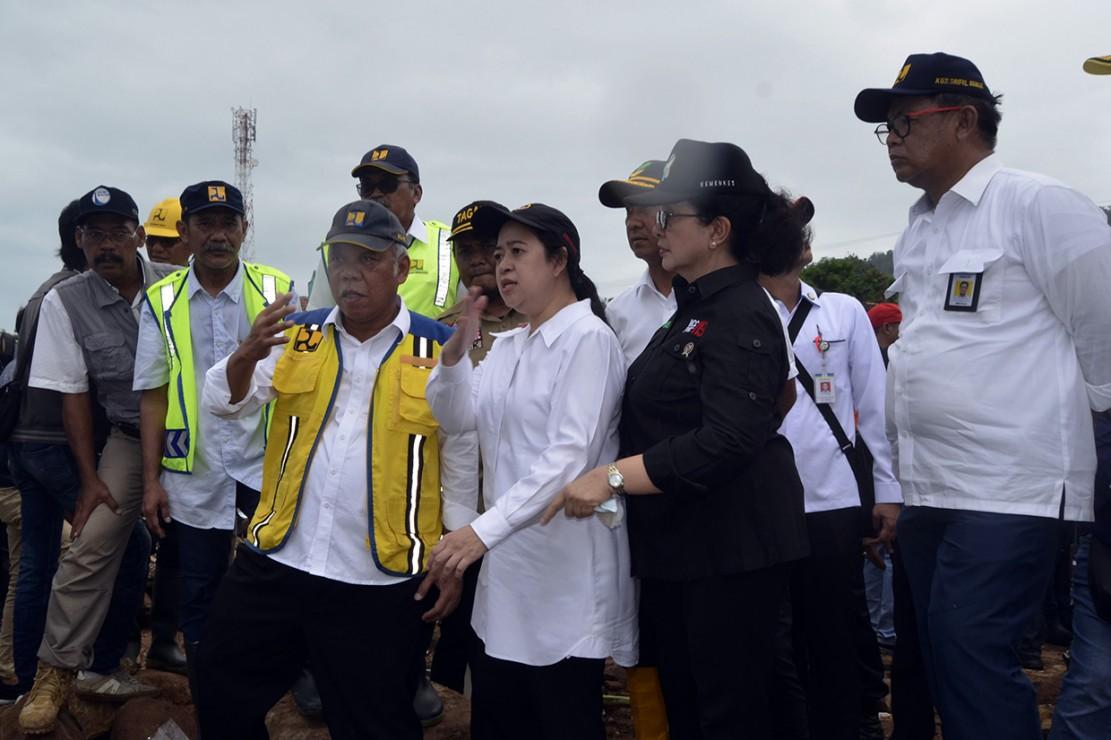 Pusat Posko Bencana Kemensos RI di Desa Way Muli, Kecamatan Rajabasa merupakan lokasi pertama yang dikunjungi rombongan Menko PMK Puan Maharani, Menkes Nila Moeloek, dan Menteri PUPR Basuki Hadimuljono.