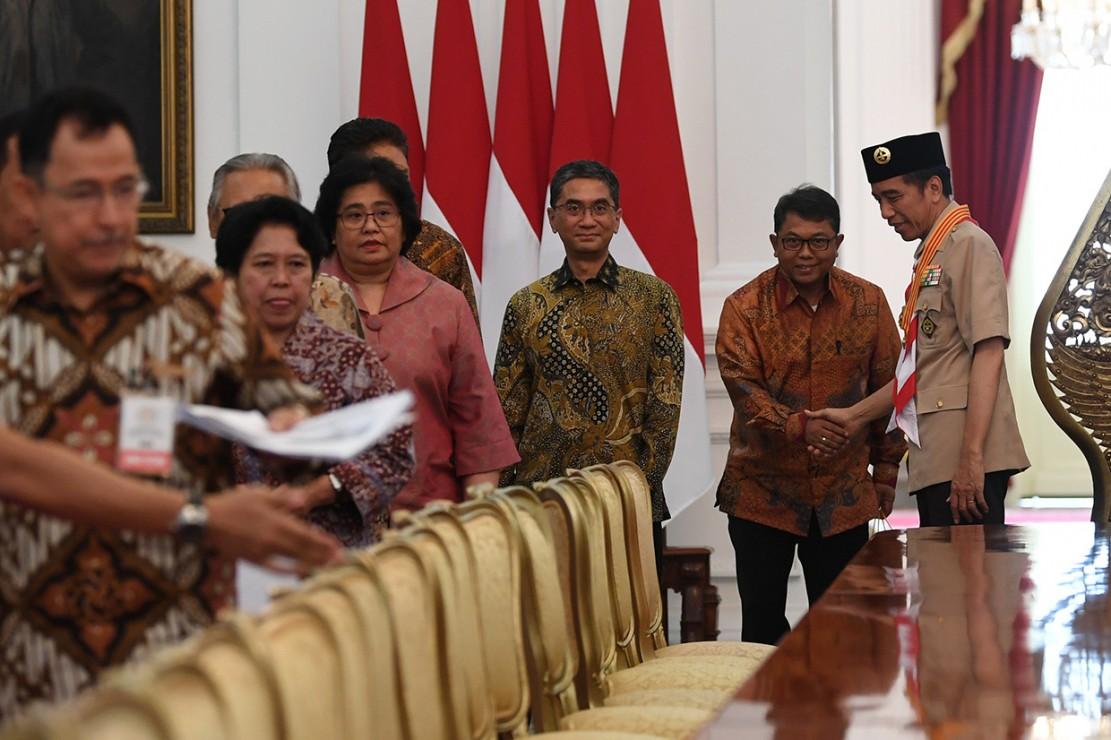 Presiden Joko Widodo menerima pimpinan rektorat Universitas Indonesia di Istana Merdeka Jakarta.