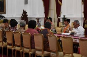 Pimpinan rektorat Universitas Indonesia menyampaikan progres pembangunan rumah sakit pendidikan Universitas Indonesia yang memiliki kapasaitas 300 tempat tidur.