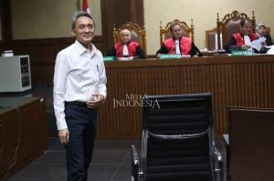 Menurut jaksa, uang tersebut diberikan agar Edy menunda proses pelaksanaan aanmaning terhadap PT Metropolitan Tirta Perdana (PT MTP).