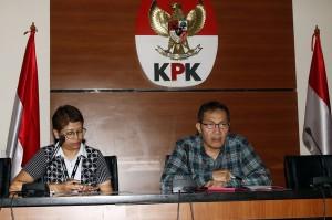 Dalam kasus tersebut KPK telah menetapkan 8 orang jadi tersangka, di antaranya Dirut PT Wijaya Kusuma Emindo (WKE) Budi Suharto (BSU), Direktur PT WKE Lily Sundarsih (LSU), Direktur PT Tashida Sejahtera Perkara (TSP) Irene Irma (IIR), Direktur PT TSP Yuliana Enganita Dibyo (YUL), Kepala Satuan Kerja SPAM Strategis/Pejabat Pembuat Komitmen (PPK) SPAM Lampung Anggiat Partunggal Nahot Simaremare (ARE), PPK SPAM Katulampa Meina Woro Kustinah (MWR), Kepala Satuan Kerja SPAM Darurat Teuku Moch Nazar (TMN), dan PPK SPAM Toba 1 Donny Sofyan Arifin (DSA).