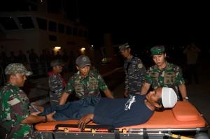 Nelayan dari Kalianda, Lampung tersebut terkena tsunami saat melaut dan terdampar selama tujuh hari di Pulau Panjang yang berada di sekitar Gunung Anak Krakatau hingga akhirnya dievakuasi oleh KRI Rigel 933.