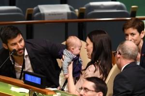 Neve Te Aroha, bayi yang baru berusia tiga bulan, mendadak menjadi terkenal setelah diajak ibunya, Perdana Menteri Selandia Baru Jacinda Ardern menghadiri Sidang Umum Perserikatan Bangsa-Bangsa, Senin, 24 September 2018. AFP Photo/Don Emmert