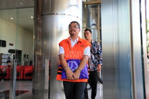 KPK mulai menerapkan pemborgolan tahanan ketika berada di luar rumah tahanan untuk menjalani proses pemeriksaan maupun menjalani persidangan di pengadilan Tipikor untuk meningkatkan pelaksanaan pengamanan terhadap para tahanan.