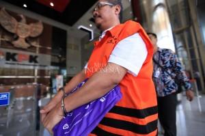 Sebelumnya, wacana memborgol para tahanan korupsi telah disampaikan Ketua KPK Agus Rahardjo. Dia mengatakan KPK akan menerapkan prosedur baru yaitu para tahanan korupsi diborgol saat dibawa dari rutan dan menuju rutan, dengan tujuan memberikan efek jera dan malu kepada para tahanan.