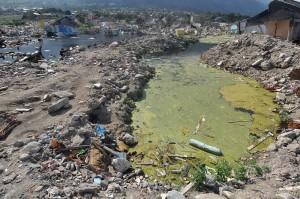 Sementara itu, Pemerintah Kota Palu mengimbau masyarakat untuk tidak memanfaatkan lokasi terdampak tsunami, likuifaksi dan lempengan besar atau patahan aktif sesar Palu-Koro baik untuk hunian maupun usaha, sambil menunggu hasil kajian geologi dari Bappenas, Badan Geologi Kementerian ESDM, dan BMKG.