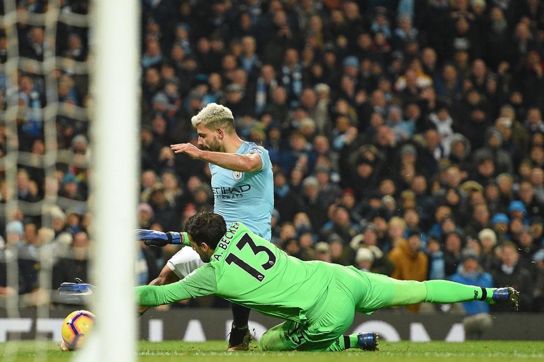 Upaya Liverpool menumpuk sejumlah pemain di sepertiga akhir lapangan lawan tak kunjung membuahkan hasil. Justru Aguero hampir saja mematikan pertandingan lebih awal pada menit ke-82, namun percobaan triknya mengecoh Alisson berhasil dihentikan sang kiper.