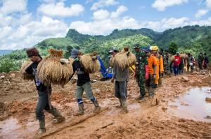 Bagi warga kesepuhan, padi menjadi satu-satunya hasil pertanian yang tidak boleh diperjualbelikan dan juga sebagai simbol kehidupan.