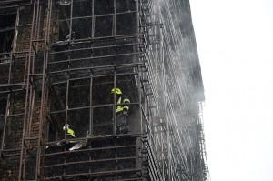 Sedikitnya 3 orang tewas dan 27 lainnya luka-luka akibat kejadian tersebut. Enam wanita dalam kondisi kritis di rumah sakit.