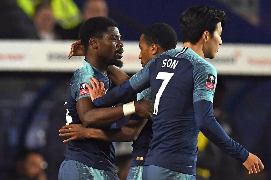 Setelah unggul tipis 1-0 lewat Serge Aurier hingga turun minum, Tottenham mengamuk di babak kedua dan melesakkan enam gol termasuk gol kedua Serge Aurier, trigol Fernando Llorente dan masing-masing satu gol dari Son Heung-min serta Harry Kane.