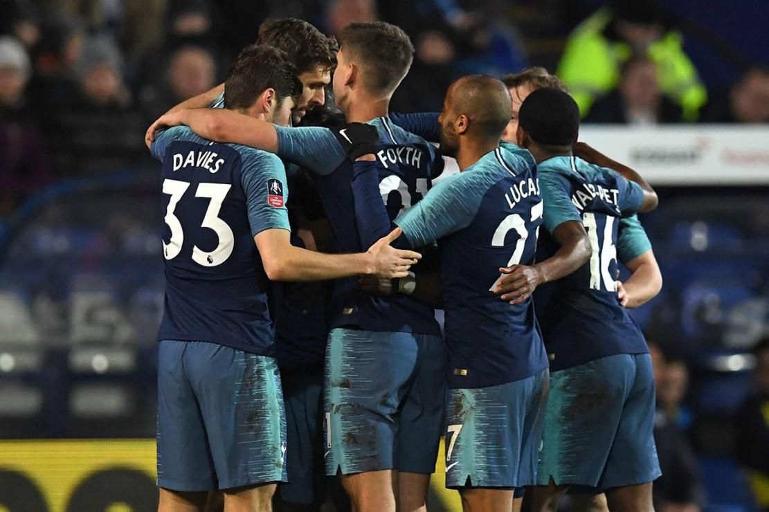 Sementara Aurier mencetak gol keduanya pada laga tersebut pada menit ke-55.