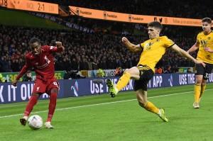 Pada laga yang digelar di Stadion Molineux, Wolverhampton tersebut, Juergen Klopp menurunkan sebagian besar pemain pelapisnya, termasuk memberikan debut untuk Rafael Camacho di sektor bek kanan.
