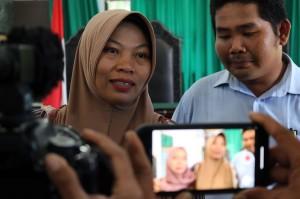 Baiq Nuril optimis alasan pengajuan PK terkait pasal kekhilafan atau kekeliruan hakim Mahkamah Agung dalam memberikan putusan kasasinya akan diterima oleh Majelis Hakim Pengadilan Negeri Mataram.