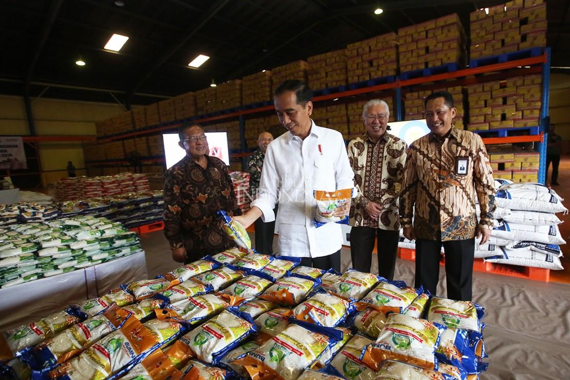 Kedatangan Jokowi untuk melihat secara langsung stok yang ada di Bulog, terutama terkait ketersediaan beras.